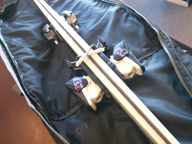 K2 DOWNHILL SKIS W/BAG & BINDINGS