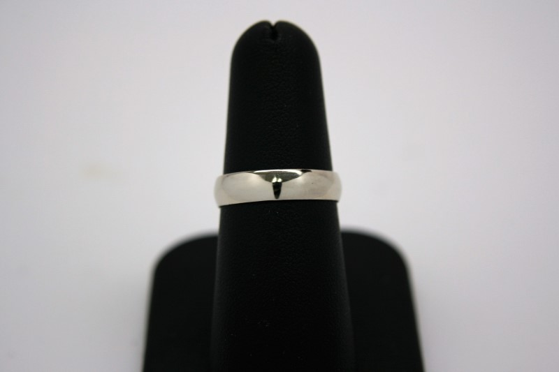 LADY'S GOLD BAND 14K WHITE GOLD