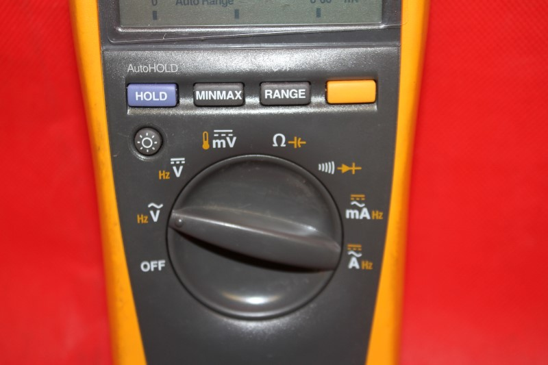 Fluke 179 TRMS Multimeter! Includes Probes