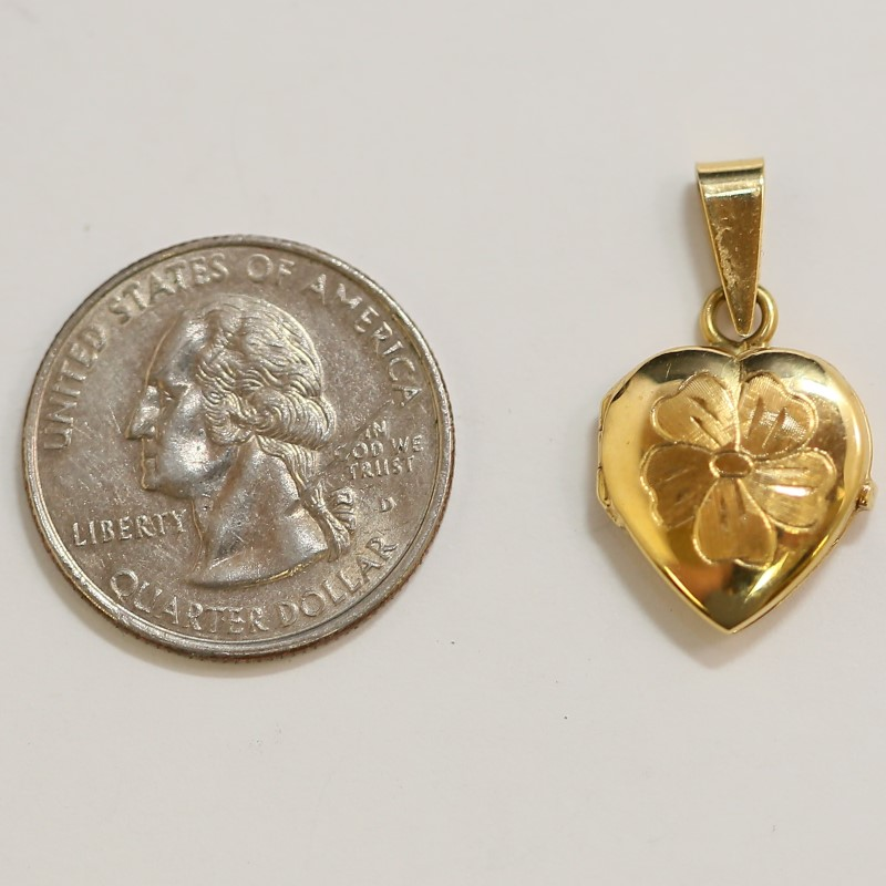 18K Yellow Gold Heart Locket W/ Flower Engraving