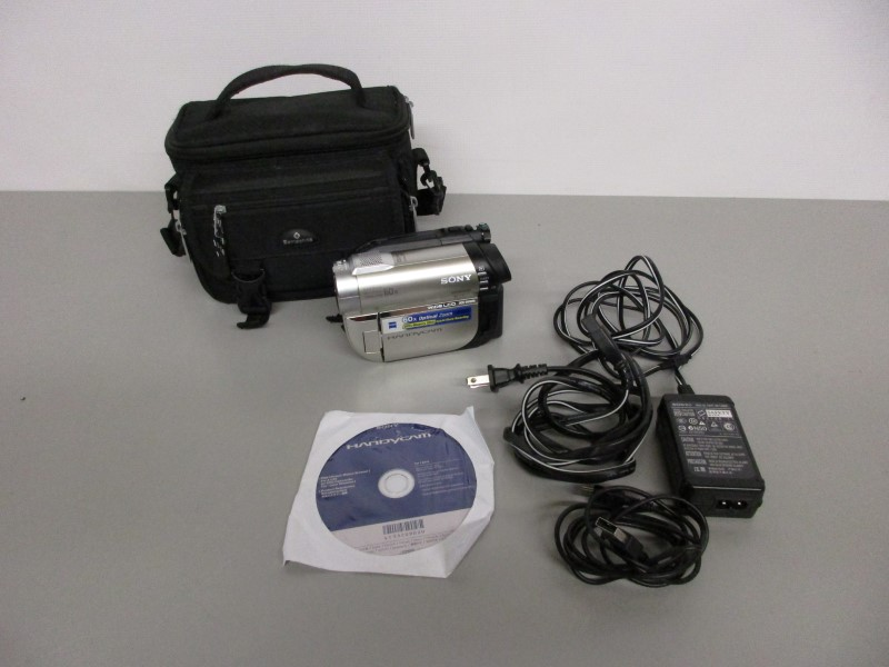 SONY HANDYCAM DCR-DVD650 CAMCORDER
