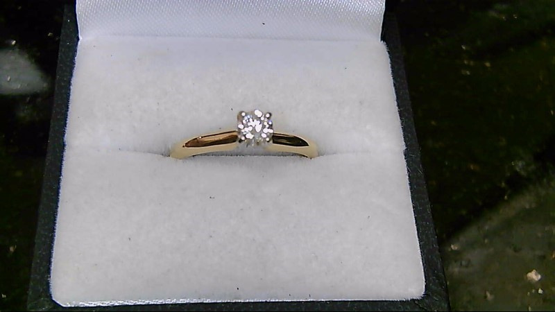 Lady's Diamond Solitaire Ring .28 CT. 14K Yellow Gold 2.3g Size:6.8