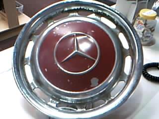 450SL MERCEDES HUBCAP