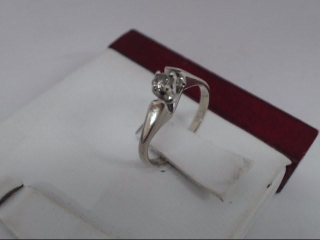 Lady's Diamond Solitaire Ring .15 CT. 10K Yellow Gold 1.7g