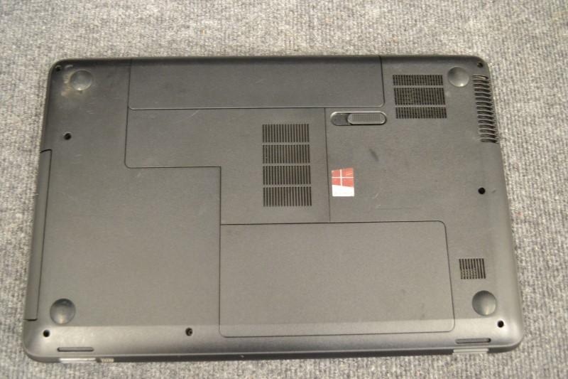 """15.5"""" HEWLETT-PACKARD Laptop/Netbook 2000"""