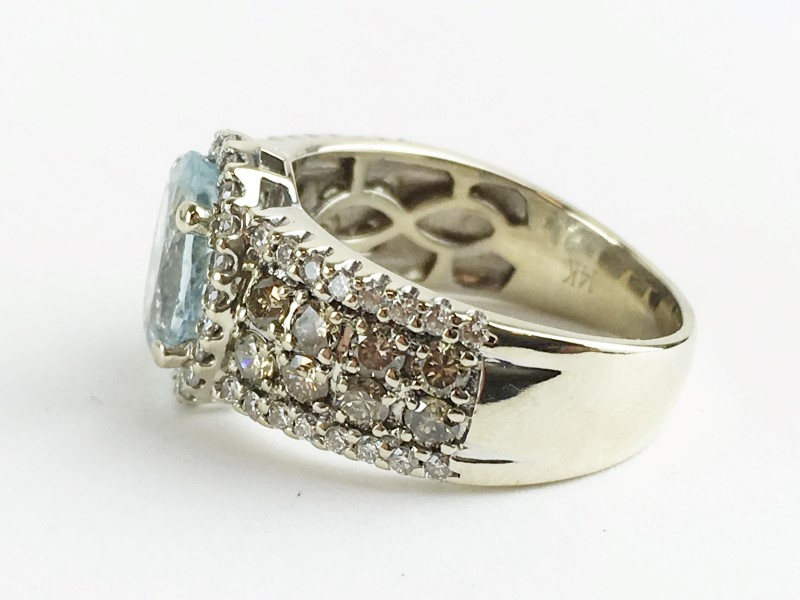 Aquamarine & Diamond Ring 74 Diamonds 1.06 Carat T.W.