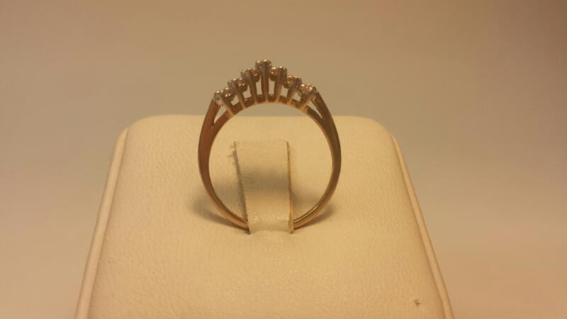 10k 13 White Stone Ring 1.3dwt Size 7