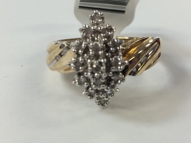 Lady's Diamond Cluster Ring 20 Diamonds .20 Carat T.W. 10K Yellow Gold 4g