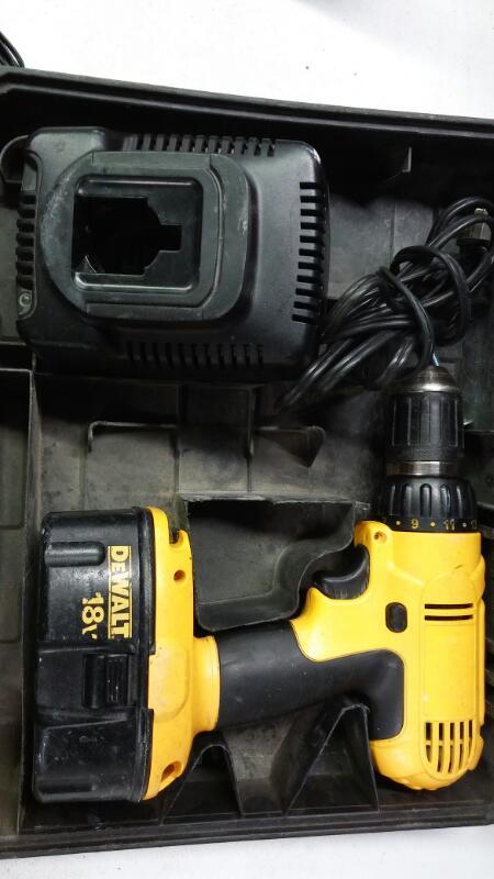 DEWALT Cordless Drill 18V DRILL