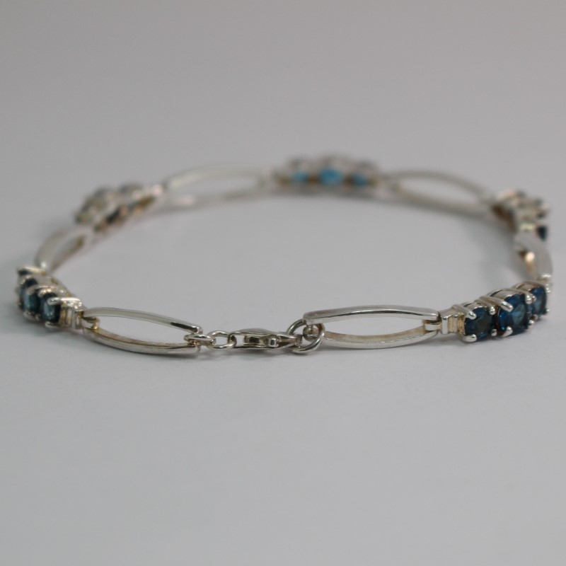 "8"" Blue Stone Silver Bracelet"
