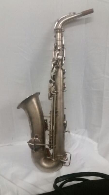SUPERTONE BANDMASTER Saxophone ALTO SAXOPHONE