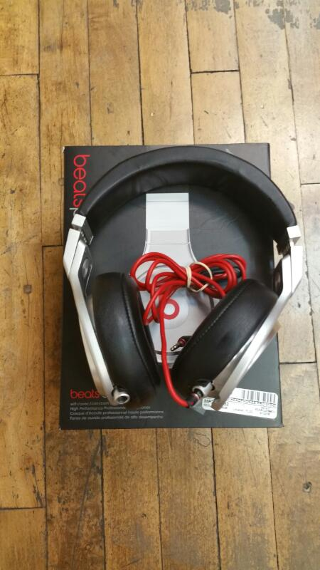 BEATS AUDIO Headphones PRO 810-00037