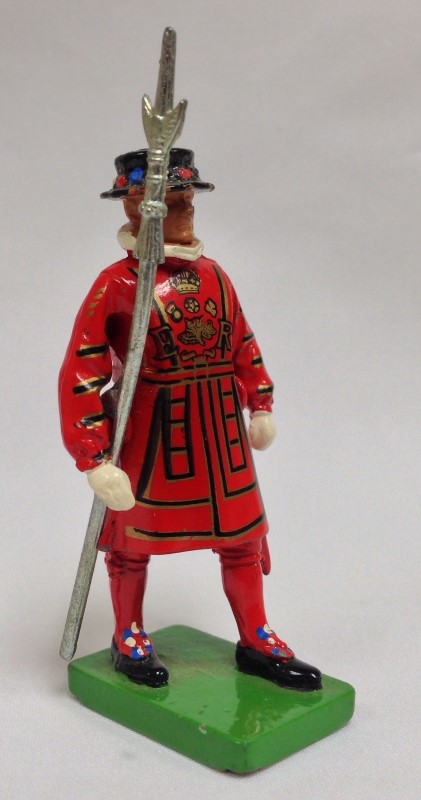 "W BRITAIN BEEFEATER1990 2 3/4"" TALL METAL"