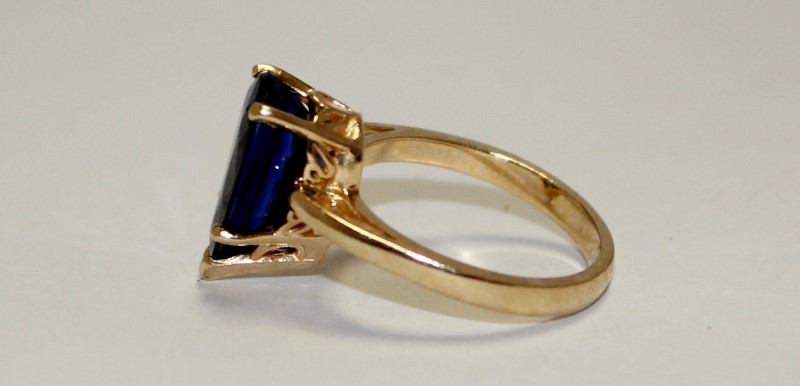 Blue Stone Lady's Stone Ring 14K Yellow Gold 4.8g Size:6.5