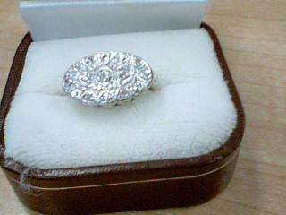 Lady's Gold Ring 10K White Gold 3.9g