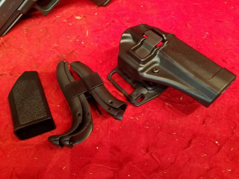 Glock 21 Gen IV 45acp Pistol - 4 Mags / Retention Holster