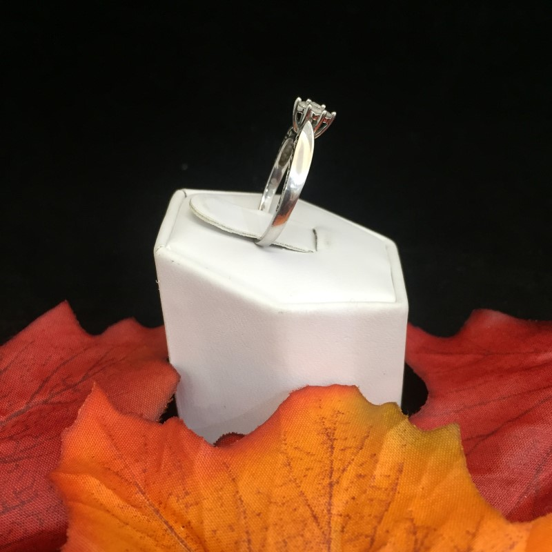 Gorgeous Detailed Ladies .925 Sterling Silver Ring with Four 0.04 Carat Stones