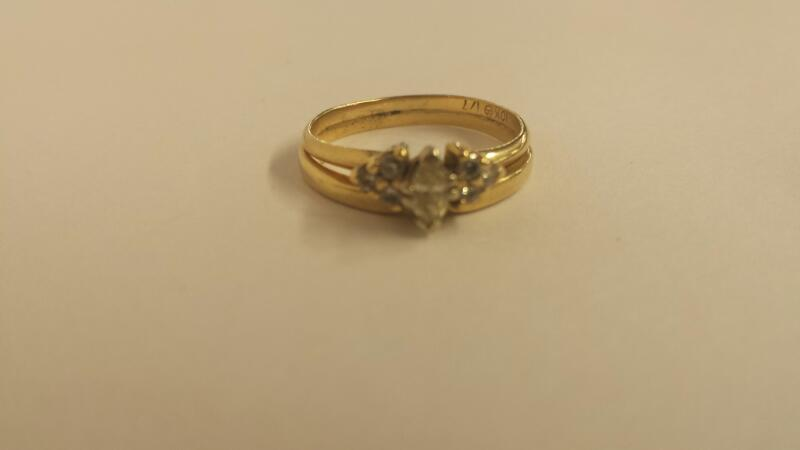 Lady's Diamond Wedding Set 7 Diamonds .16 Carat T.W. 10K Yellow Gold 2dwt