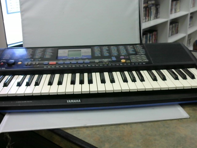 YAMAHA Keyboards/MIDI Equipment PSR-190