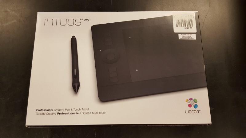 INTUOS Tablet PRO PTH-451
