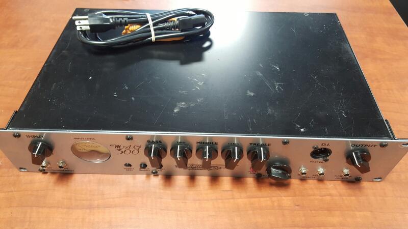 ASHDOWN ENGINEERING Bass Guitar Amp MAG 300 COMBO