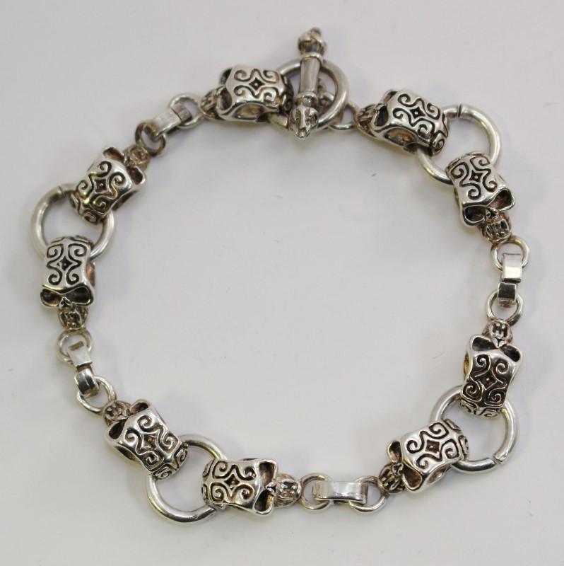 """9"""" Intricate Detail Skull Bracelet"""