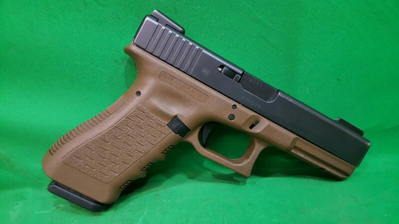 GLOCK Pistol 22 GEN 3 FDE Tru-Glo TFO Sights 3 Mags