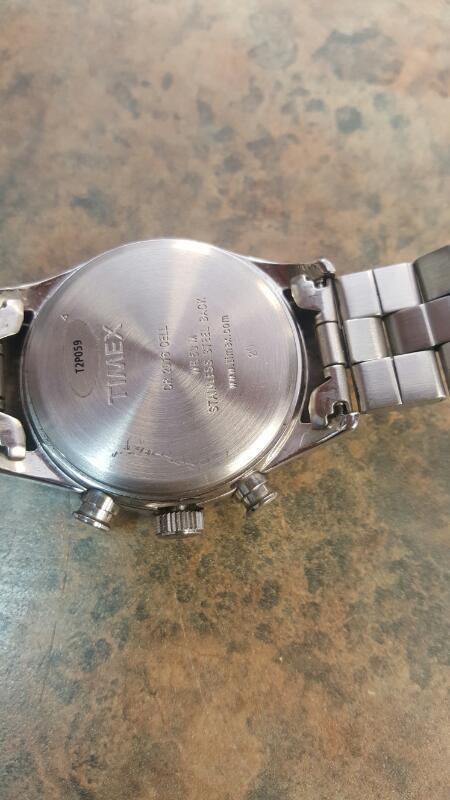TIMEX Gent's Wristwatch T2P059