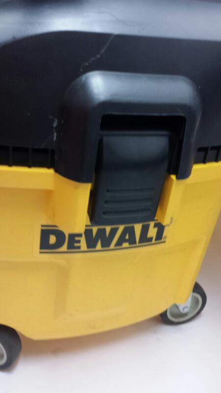 Dewalt Model: DXV010 8 Gallon Dust Extractor Vacuum-Canister Shop Style