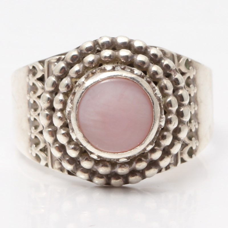 Sterling Silver Signed B. Chavez Pink Mother of Pearl Milgrain Statement Ring 9