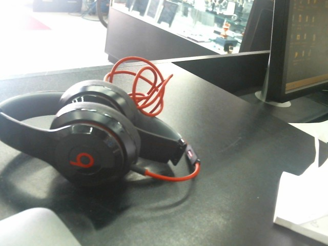 BEATS BT DRE Headphones B0518