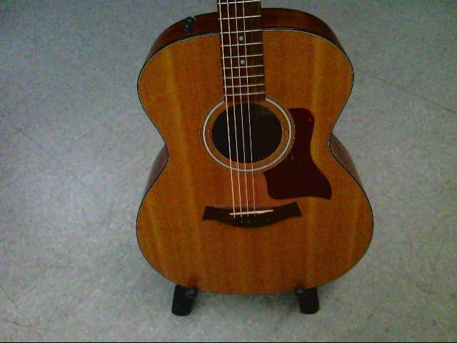 TAYLOR GUITARS Electric-Acoustic Guitar 114E