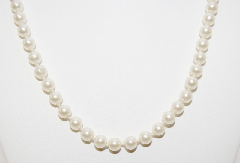 "18"" Synthetic Pearl Strand Stone Necklace Antique Stainless 18.09g"