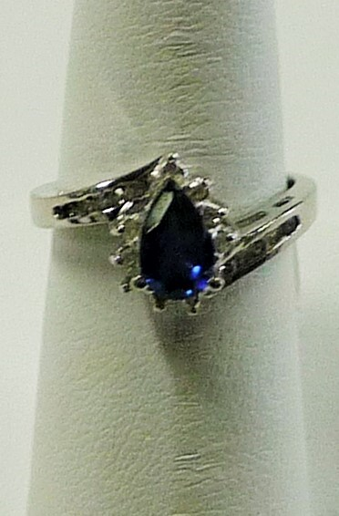 Blue Stone Lady's Stone & Diamond Ring 20 Diamonds .20 Carat T.W.