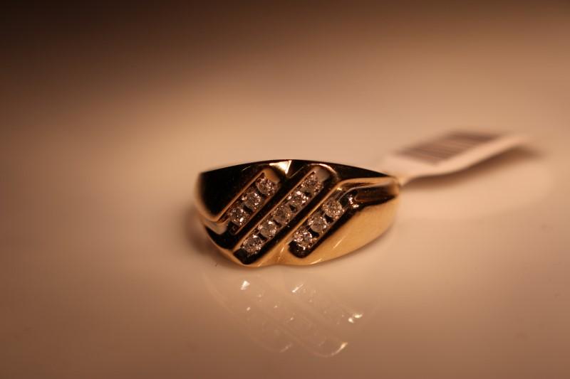 Gent's Diamond Fashion Ring 11 Diamonds .11 Carat T.W. 10K Yellow Gold 4.04g