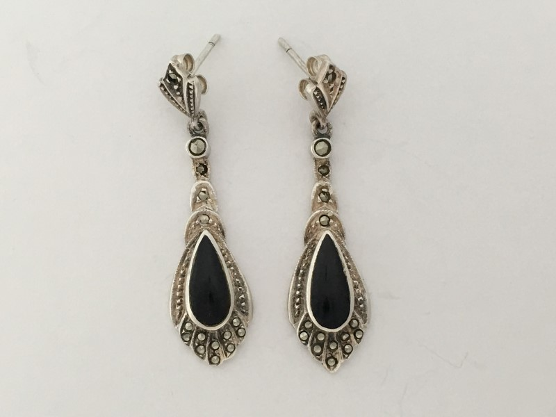 "Sterling Silver Onyx (Synthetic) 1.5"" Dangle Earrings"