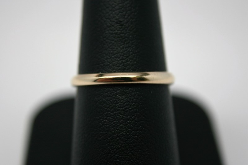 LADY'S THIN GOLD BAND 10K YELLOW GOLD