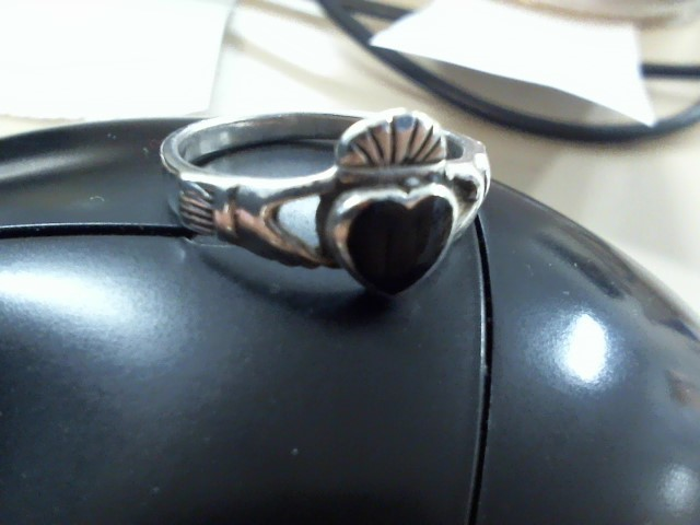 Black Stone Lady's Silver & Stone Ring 925 Silver 1.8dwt