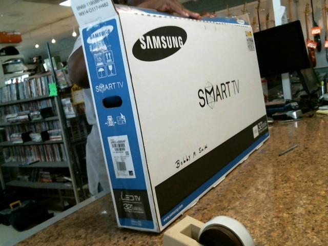 SAMSUNG Flat Panel Television UN32J4500AF