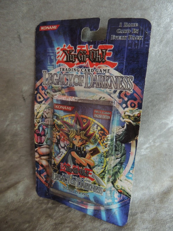 YuGiOh Legacy Of Darkness 1ST EDITION Blister Booster Pack Sealed