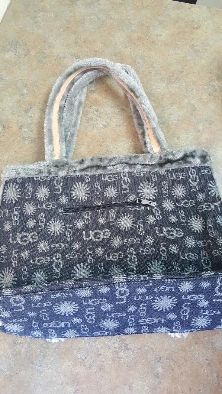 UGG Handbag GREY PURSE