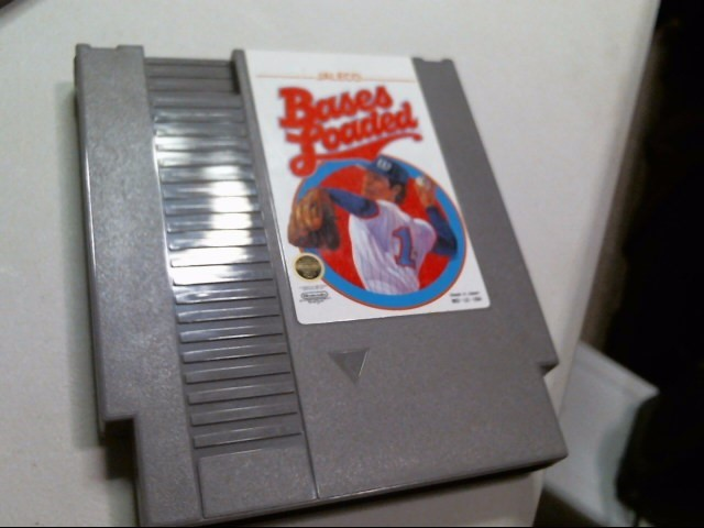 NINTENDO NES GAME: BASES LOADED