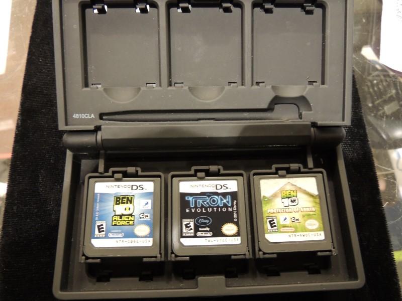 NINTENDO DS SUPER MARIO 12 GAME HOLDER PLUS 3 GAMES