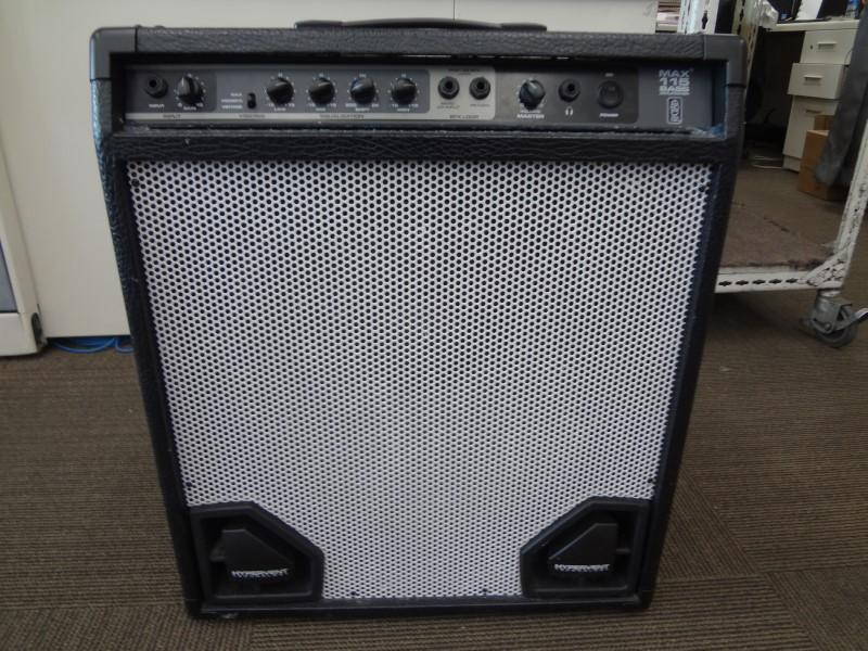PEAVEY BASS GUITAR AMP MAX 115 BASS AMP