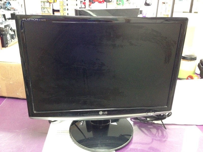 "LG Flatron W1952TQ-TF 19"" Widescreen LED LCD Monitor"