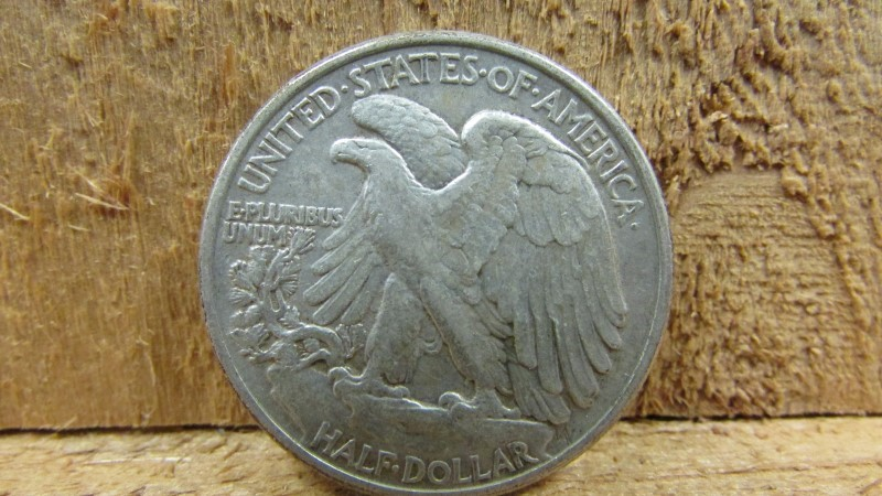 UNITED STATES Silver Coin 1942 WALKING LIBERTY HALF DOLLAR