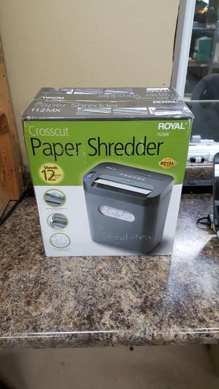 Royal 112MX 12-Sheet Cross Cut Shredder Shreds CD's with Console (Black)