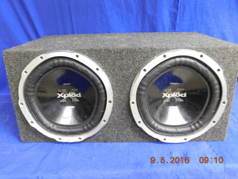 "SONY XPLODE 12"" 1300W SUBS IN BOX"