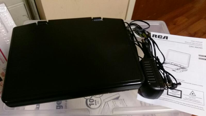 RCA PORTABLE DVD PLAYER MODEL DRC98090
