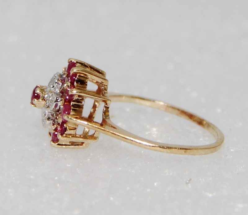 10K Yellow Gold Floral Inspired Diamond & Ruby Cluster Ring sz 3.75